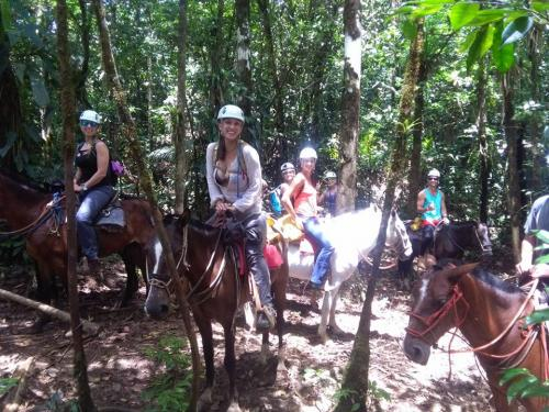 horseback-ride-tour