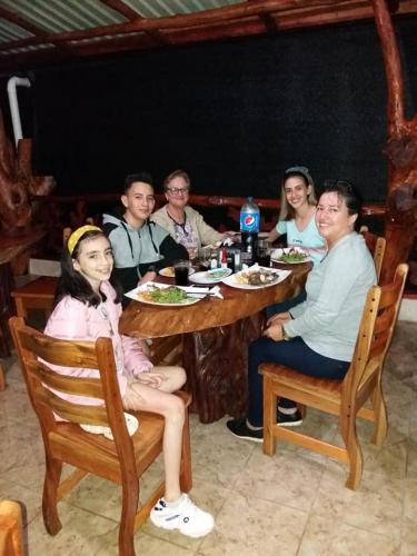 restaurante-tilapiera-customers